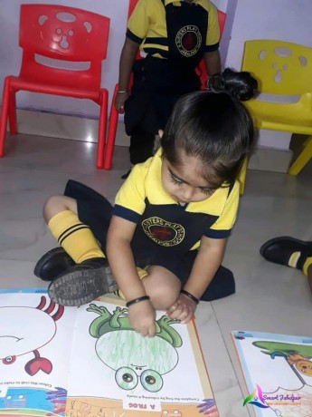 best-play-school-in-kanchghar-jabalpur-best-play-children-school-in-jabalpur-4sister-play-school-in-jabalpur-big-1
